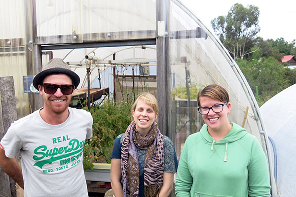 aquaponics-volunteering-team